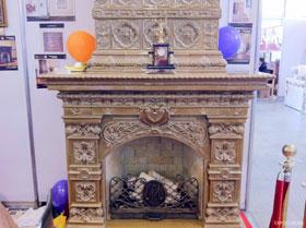 на выставкае салон каминов 2011 было представлено большое количество газовых и электрических каминов